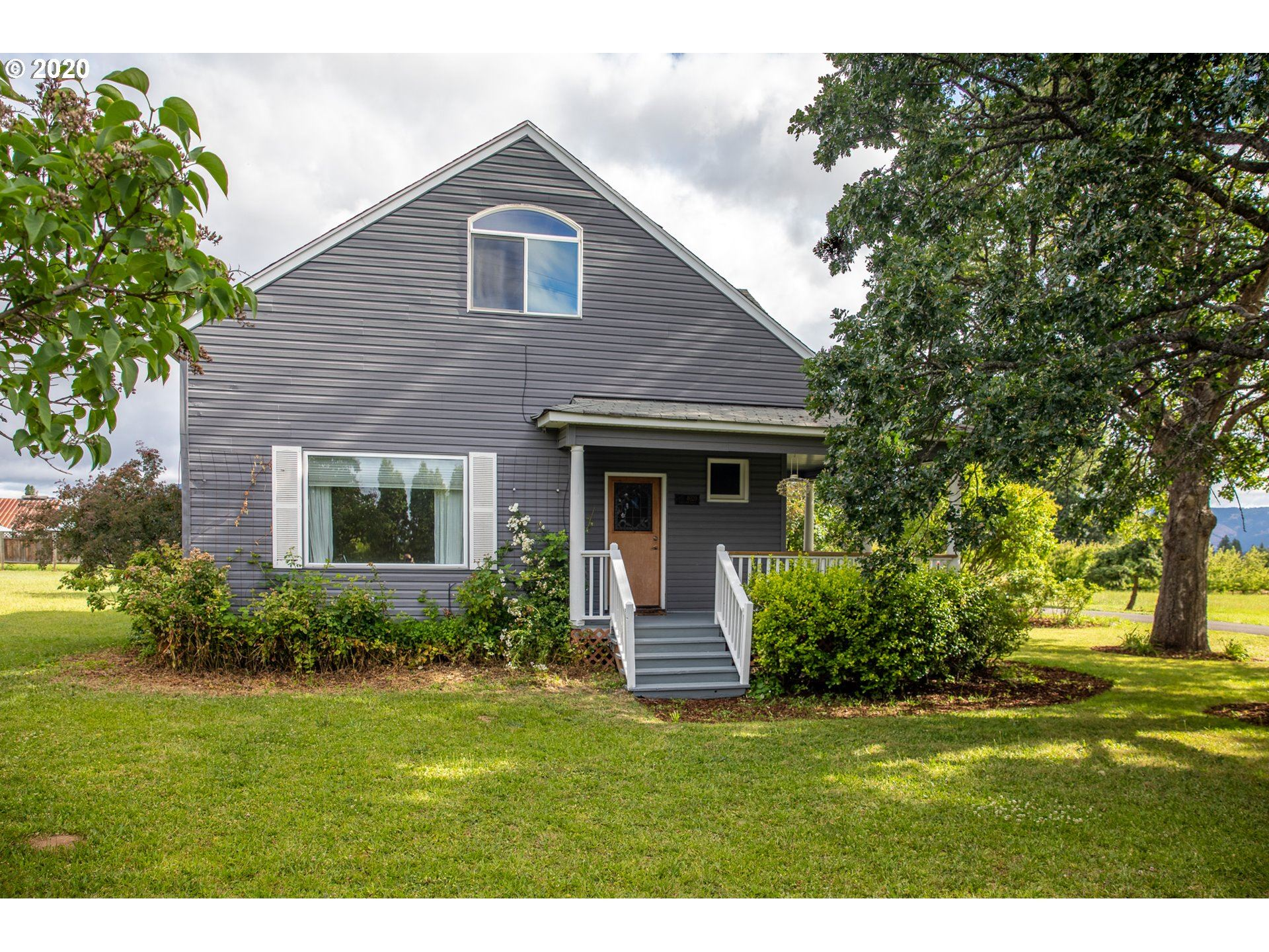 Photo of 4020 PORTLAND DR, Hood River, OR 97031 (MLS # 20282276)