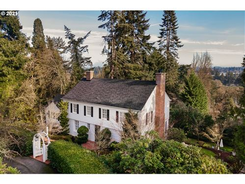 Photo of 2430 S MILITARY RD, Portland, OR 97219 (MLS # 20339277)