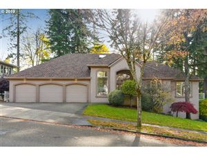 Photo of 12840 SE SPRING MOUNTAIN DR, Happy Valley, OR 97086 (MLS # 19182279)