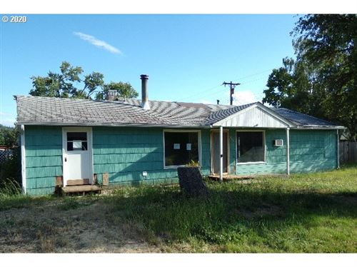 Photo of 960 W SECOND AVE, Sutherlin, OR 97479 (MLS # 20068281)
