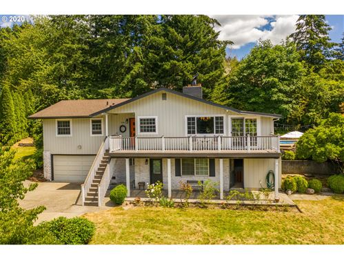 Photo of 10186 SE CHAMPAGNE LN, Happy Valley, OR 97086 (MLS # 20031284)