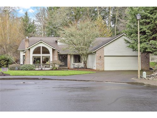 Photo of 1202 STONEHAVEN CT, West Linn, OR 97068 (MLS # 20549285)