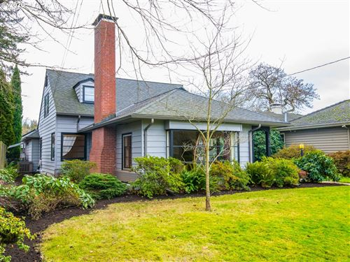 Photo of 3612 SE CRYSTAL SPRINGS BLVD, Portland, OR 97202 (MLS # 20368288)