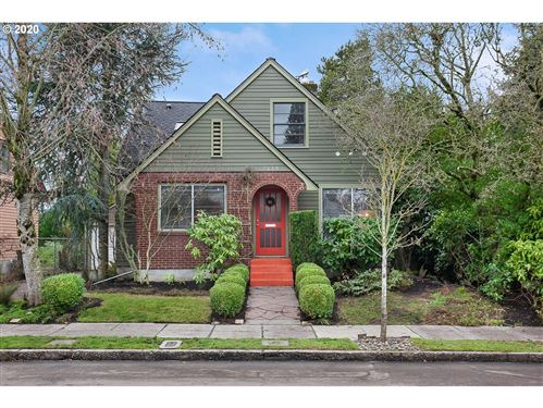 Photo of 7539 N HURST AVE, Portland, OR 97203 (MLS # 19317289)
