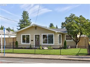 Photo of 5706 SE FLAVEL ST, Portland, OR 97206 (MLS # 19399289)