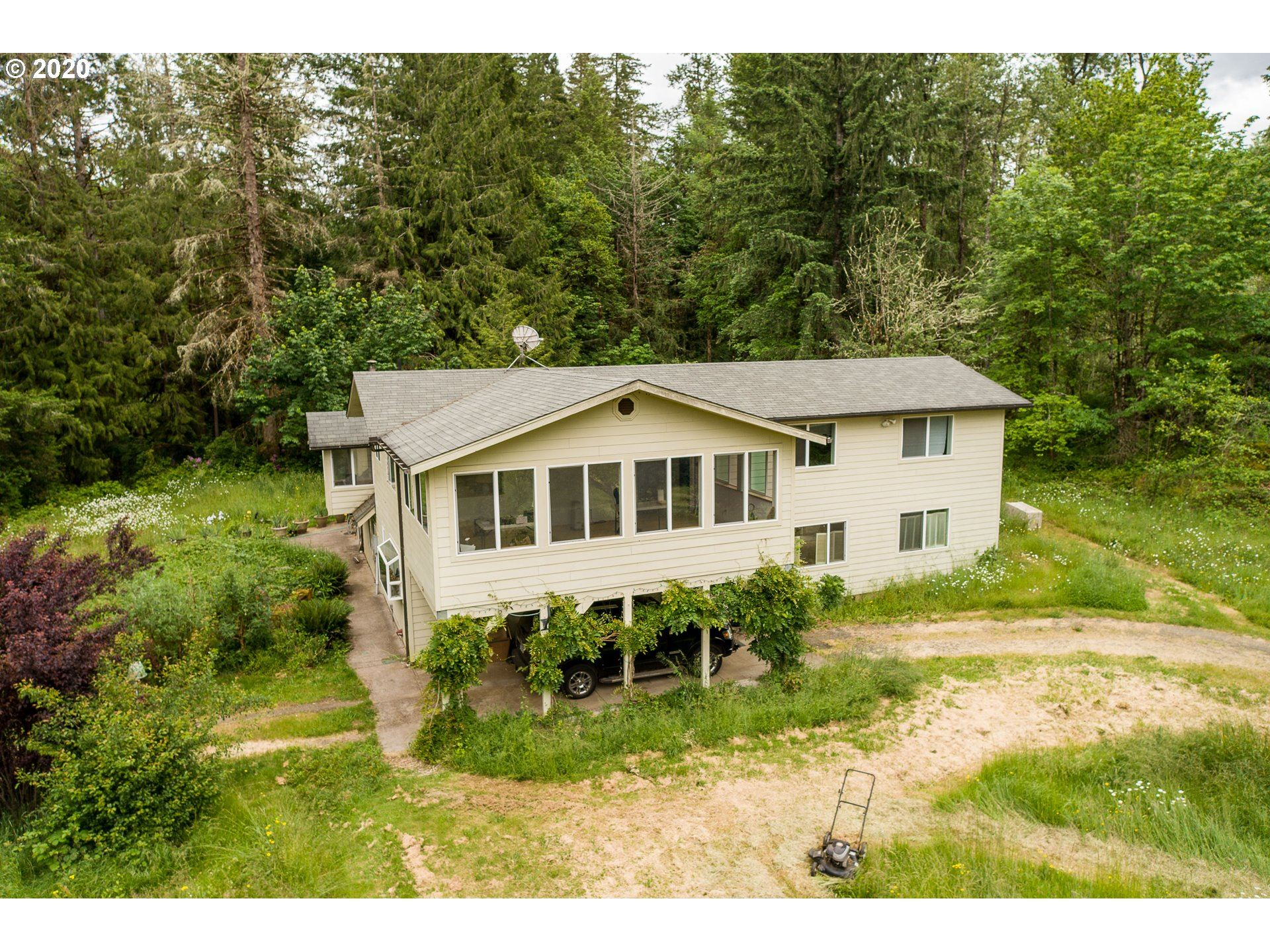 Photo for 80472 LOST CREEK RD, Dexter, OR 97431 (MLS # 20344289)
