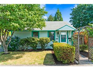 Photo of 419 SW 2ND AVE, Canby, OR 97013 (MLS # 19677292)