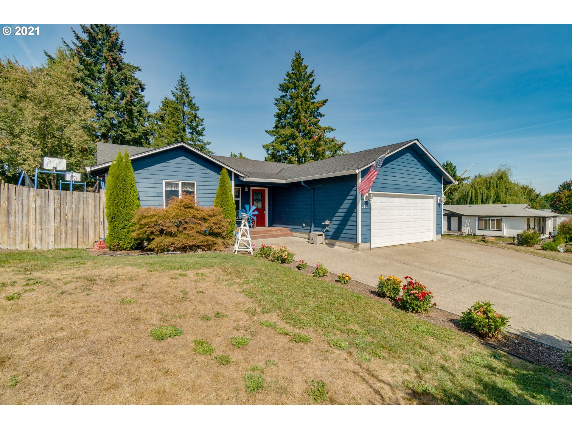 Photo of 380 E 2ND ST, Yamhill, OR 97148 (MLS # 21307293)