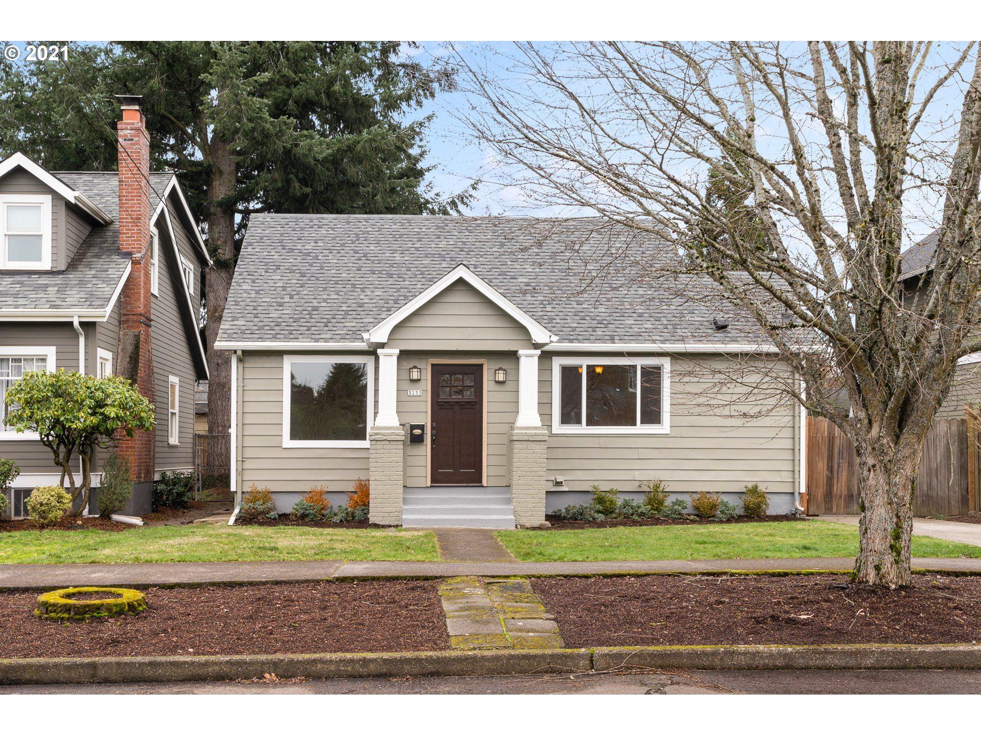 3233 NE 53rd AVE, Portland, OR 97213 - MLS#: 21690294