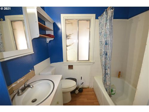 Tiny photo for 1602 W 11TH, The Dalles, OR 97058 (MLS # 21103295)