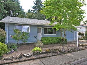 Photo of 16820 SW QUEEN ANNE AVE, King City, OR 97224 (MLS # 19510296)