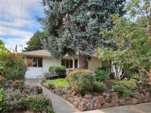 Photo of 4437 NE 41ST AVE, Portland, OR 97211 (MLS # 21033298)