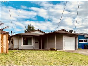 Photo of 8942 N FORTUNE AVE, Portland, OR 97203 (MLS # 19498299)