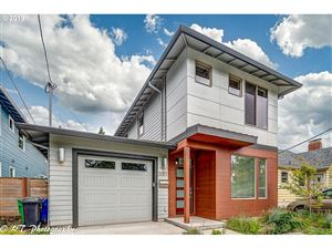 Photo of 5051 SE 59TH AVE, Portland, OR 97206 (MLS # 19554302)
