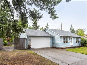 Photo of 6526 SE MADRONA DR, Milwaukie, OR 97222 (MLS # 19440303)