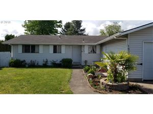 Photo of 1835 NE LAFAYETTE AVE, McMinnville, OR 97128 (MLS # 19399304)