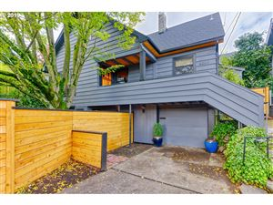Photo of 6825 SE Stark ST, Portland, OR 97215 (MLS # 19521308)