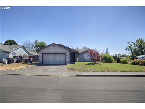 Photo of 494 SW WESTVIEW DR, McMinnville, OR 97128 (MLS # 21231309)