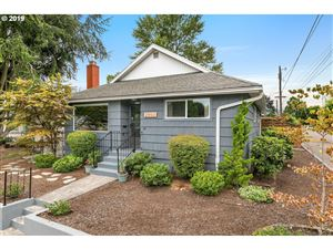 Photo of 2903 SE 78TH AVE, Portland, OR 97206 (MLS # 19134310)