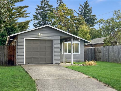Photo of 6552 SE 67TH AVE, Portland, OR 97206 (MLS # 21053310)