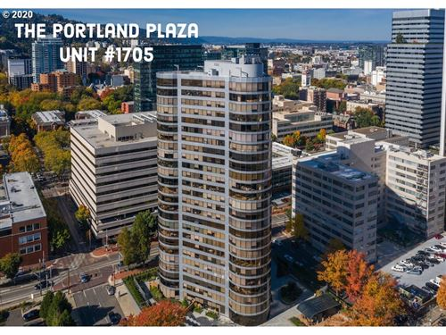 Photo of 1500 SW 5TH AVE #1705, Portland, OR 97201 (MLS # 20118313)