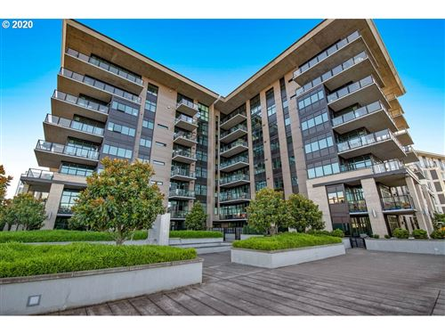 Photo of 1830 NW RIVERSCAPE ST #804, Portland, OR 97209 (MLS # 20461315)