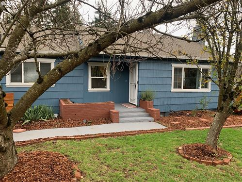 Photo of 3116 SE 136TH AVE, Portland, OR 97236 (MLS # 21320318)