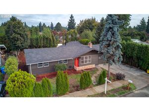 Photo of 14147 SE SALMON ST, Portland, OR 97233 (MLS # 19074320)