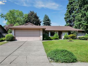 Photo of 20064 SW OAK CT, Beaverton, OR 97078 (MLS # 19438320)