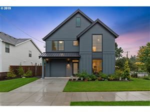 Photo of 8374 SW 6th AVE, Portland, OR 97219 (MLS # 19187321)