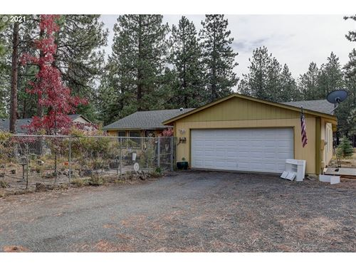 Photo of 19455 APACHE RD, Bend, OR 97702 (MLS # 21104322)