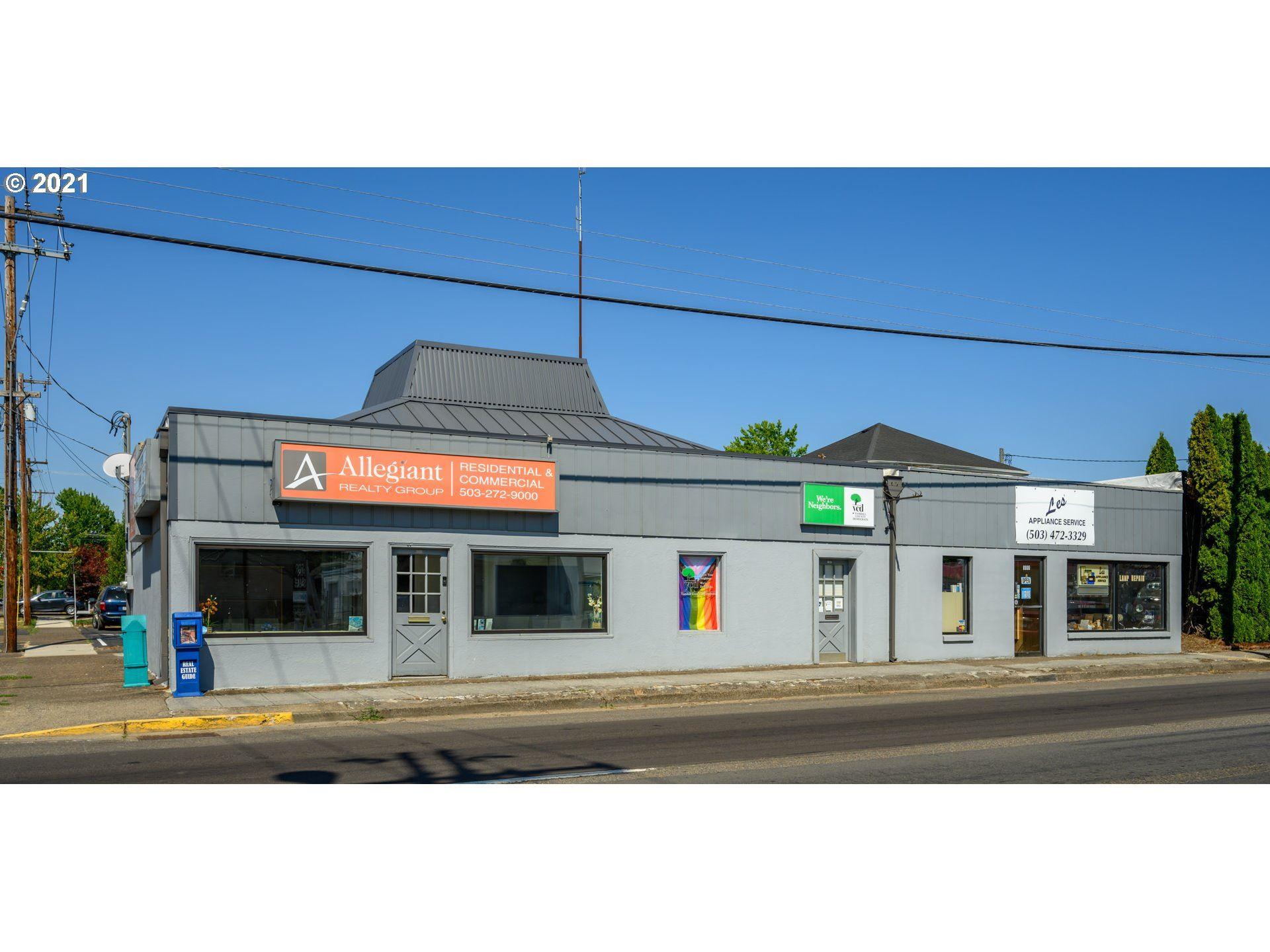 Photo of 1103 NE BAKER ST NE, McMinnville, OR 97128 (MLS # 21440324)