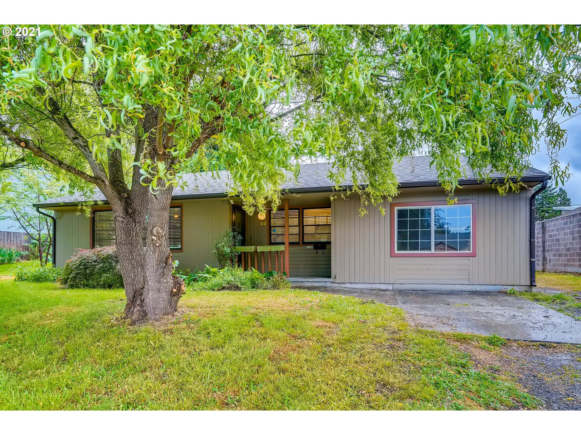 40 SE 89TH AVE, Portland, OR 97216 - MLS#: 21165325