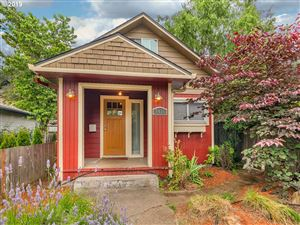 Photo of 6416 SE 96TH AVE, Portland, OR 97266 (MLS # 19183328)