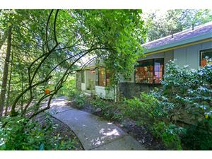 Photo of 5125 SW DOSCH RD, Portland, OR 97239 (MLS # 19557329)
