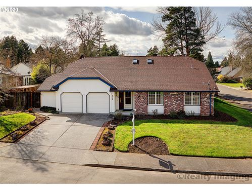 Photo of 4905 NW SHANIKO CT, Portland, OR 97229 (MLS # 20218331)