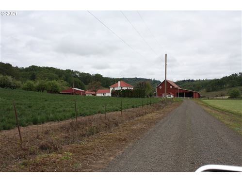 Photo of 21800 SW LATHAM RD, McMinnville, OR 97128 (MLS # 21289331)