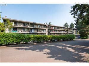 Photo of 200 BURNHAM RD 403 #403, Lake Oswego, OR 97034 (MLS # 19456334)