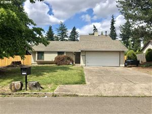 Photo of 10509 SE MALDEN ST, Portland, OR 97266 (MLS # 19650334)