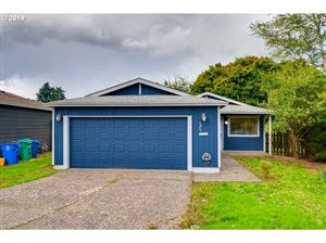 Photo of 2425 NE SARATOGA ST, Portland, OR 97211 (MLS # 19663336)