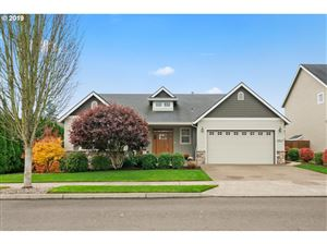 Photo of 1419 NE 16TH AVE, Canby, OR 97013 (MLS # 19099337)