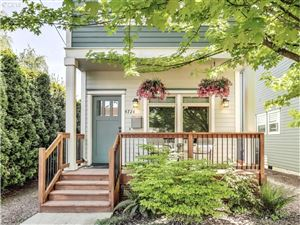 Photo of 4724 N COMMERCIAL AVE, Portland, OR 97217 (MLS # 19174337)
