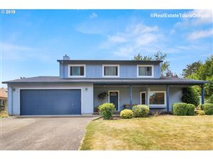 Photo of 1526 HAWTHORNE ST, Forest Grove, OR 97116 (MLS # 19358338)