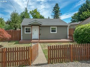 Photo of 1713 14TH ST, Oregon City, OR 97045 (MLS # 19238340)