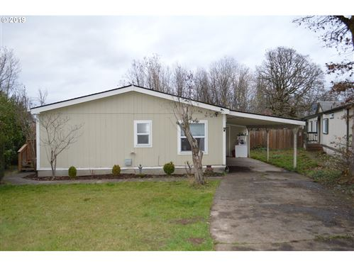Photo of 10300 NW OAK TER, North Plains, OR 97133 (MLS # 19341340)