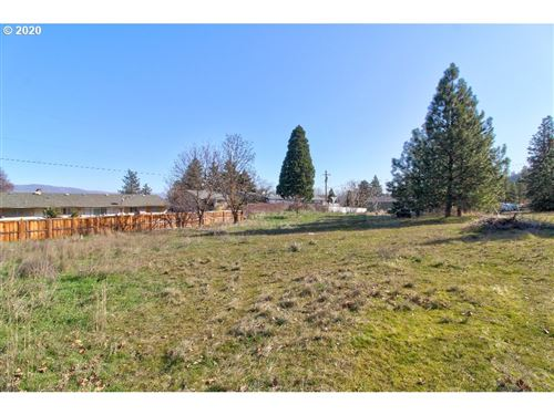 Photo of KINGSLEY and 16th, The Dalles, OR 97058 (MLS # 20615340)