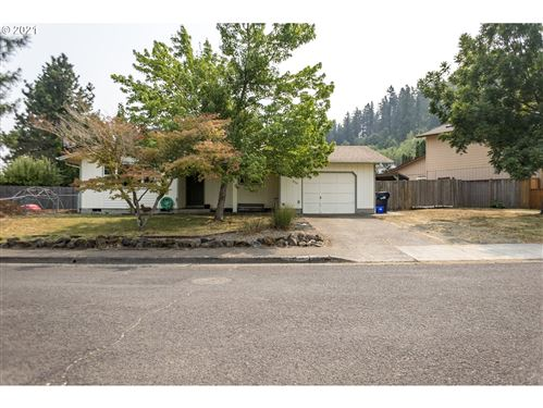 Photo of 520 S 7TH ST, Creswell, OR 97426 (MLS # 21132341)
