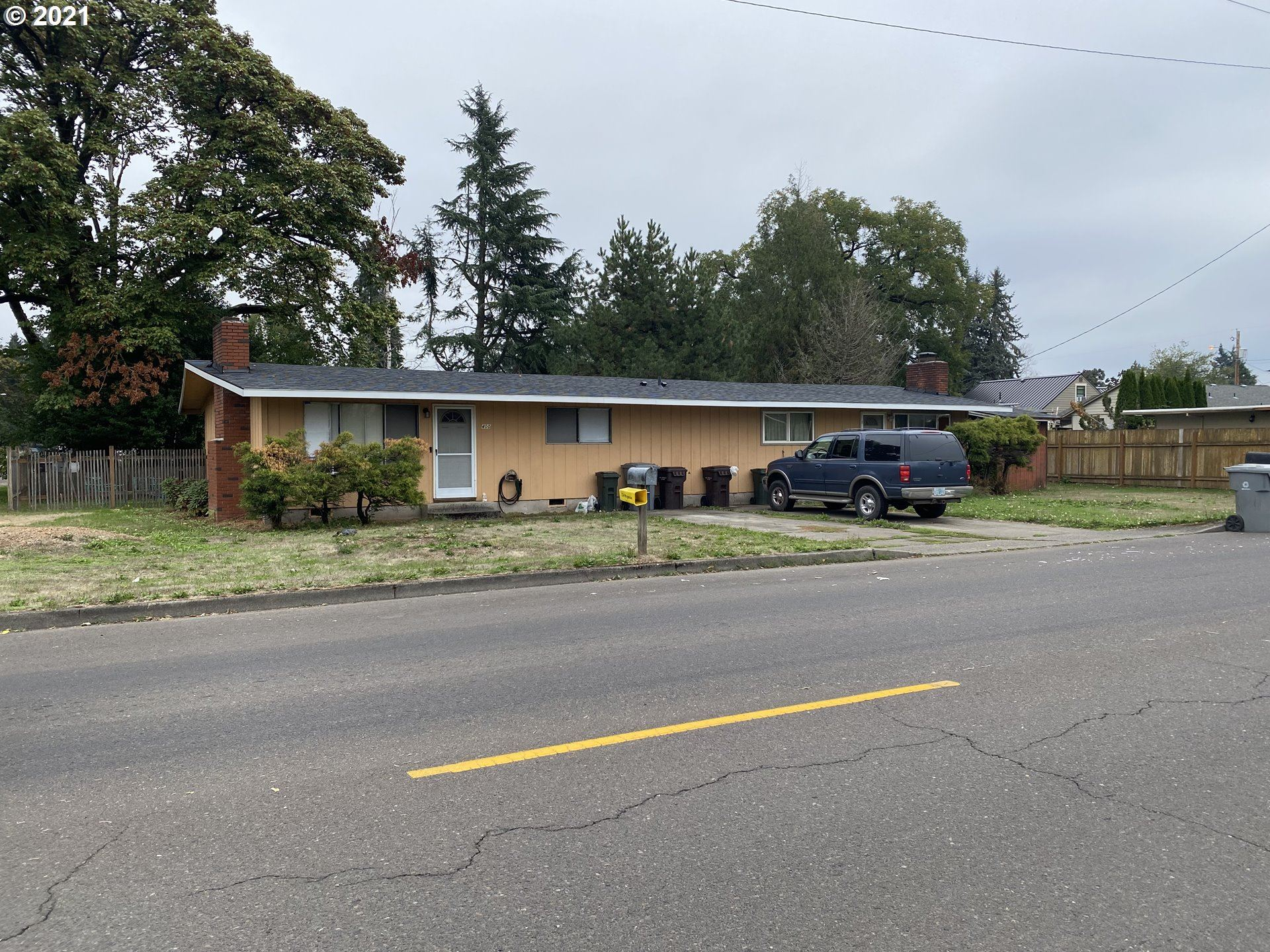 Photo of 400 S ELM ST #2, Canby, OR 97013 (MLS # 21247341)