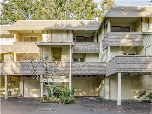 Photo of 19645 NW QUAIL HOLLOW DR, Portland, OR 97229 (MLS # 19396342)