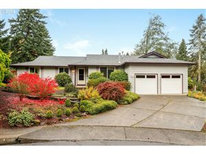 Photo of 13780 SW FAIRVIEW CT, Tigard, OR 97223 (MLS # 19510342)